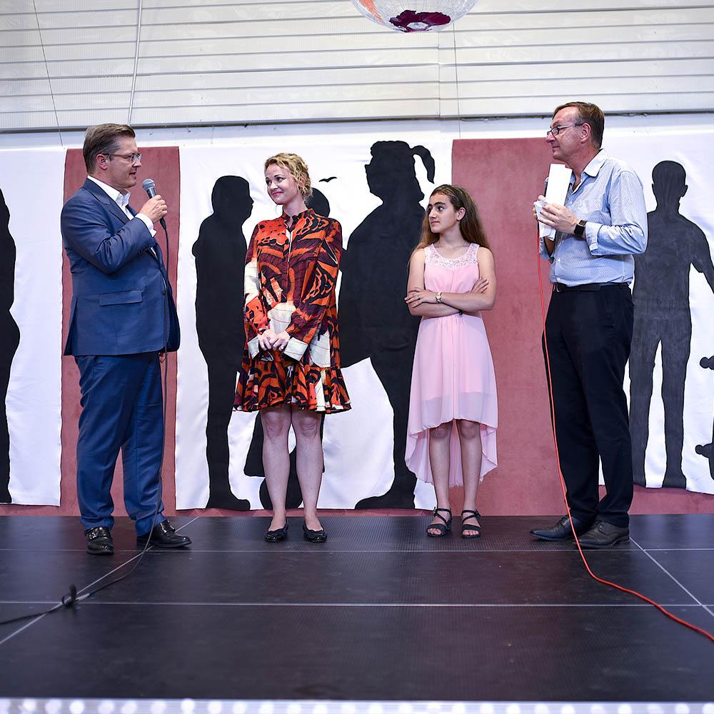 Donation for Die Arche - Rainer Schorr on stage